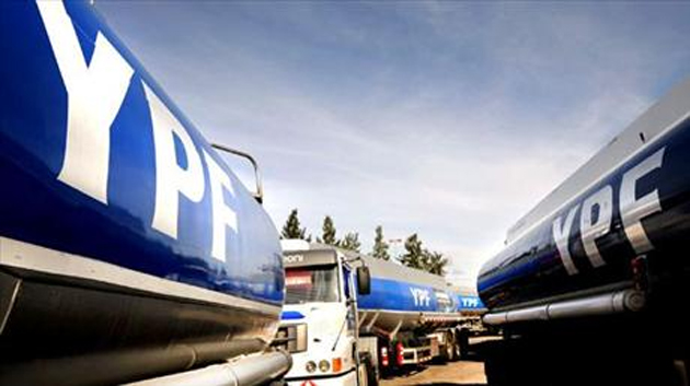 YPF, una de las empresas que provee combustibles la línea sur (Foto Jornada)