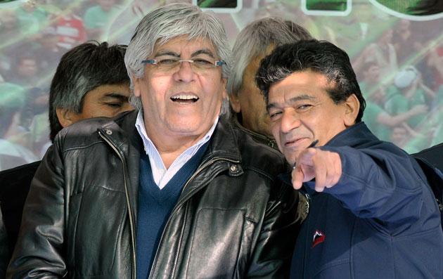 Hugo Moyano junto a Juan Almada - Foto: OPI Santa Cruz/Francisco Muñoz