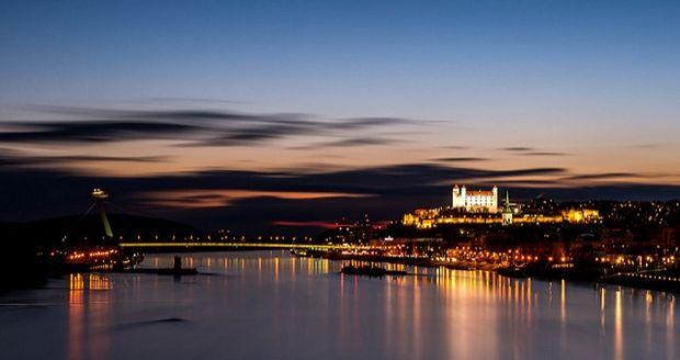 Bratislava - Flickr - Tono Balucha