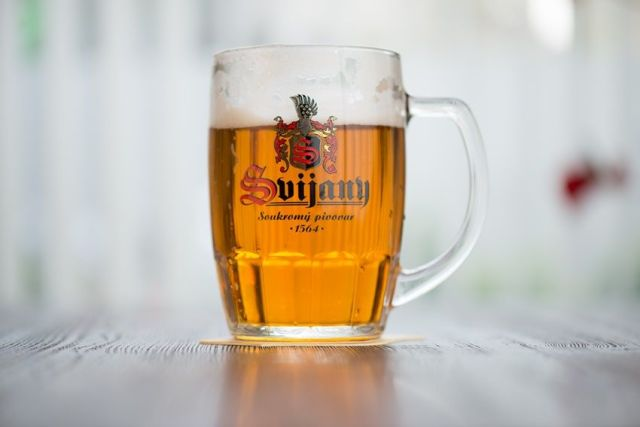 Svijany, pohár, pivo, ležiak