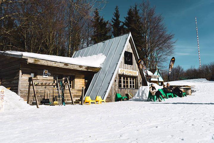 Aprés-Ski Bar Búda 05
