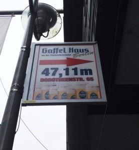 47,11 Meter zum Gaffer-Haus in Berlin? Ein Schelm, wer dabei an Eau de Cologne denkt.