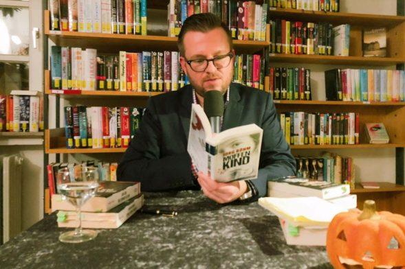 Jörg Böhm liest aus dem Kreuzfahrtkrimi Moffenkind