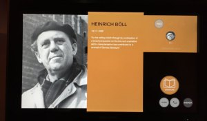 Heinrich Böll in Stockholm im Nobel Museum
