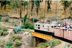 Ecuador: Fahrt auf dem Zugdach