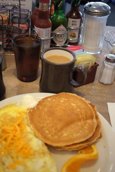 Frühstück am Mono Lake: Es geht auch anders!