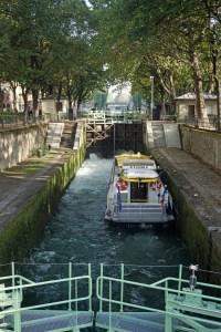 Staustufen mitten in Paris