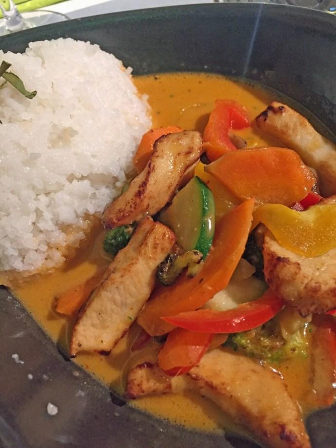 Reis mit Gemüse und Hühnchen