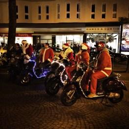 Weihnachtsmann-Treffen