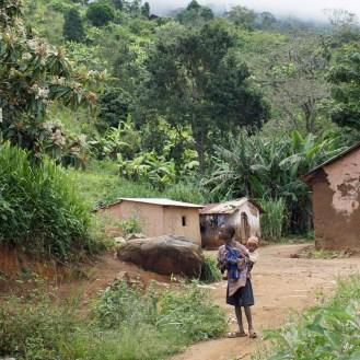 Vor der Kirche in Yamba