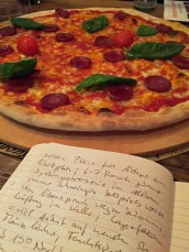 Pizza und Notizen