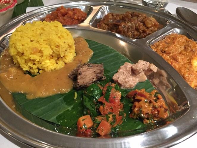 Reis mit Paneer und Blumenkohl