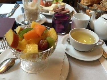 Obstsalat im Café Bottler in Bonn