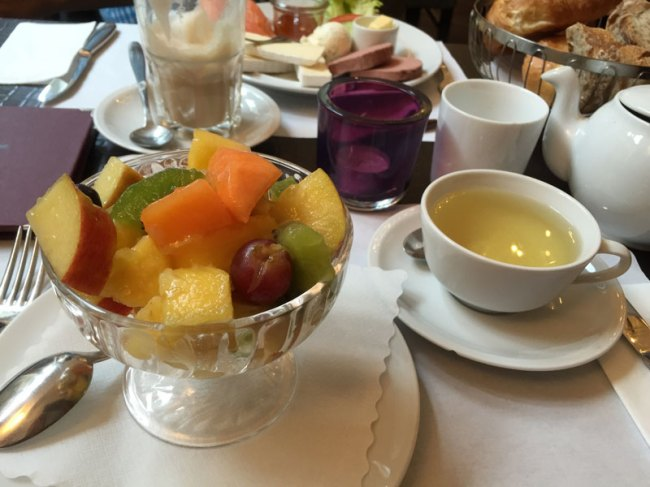 Obstsalat im Café Bottler in Bonn