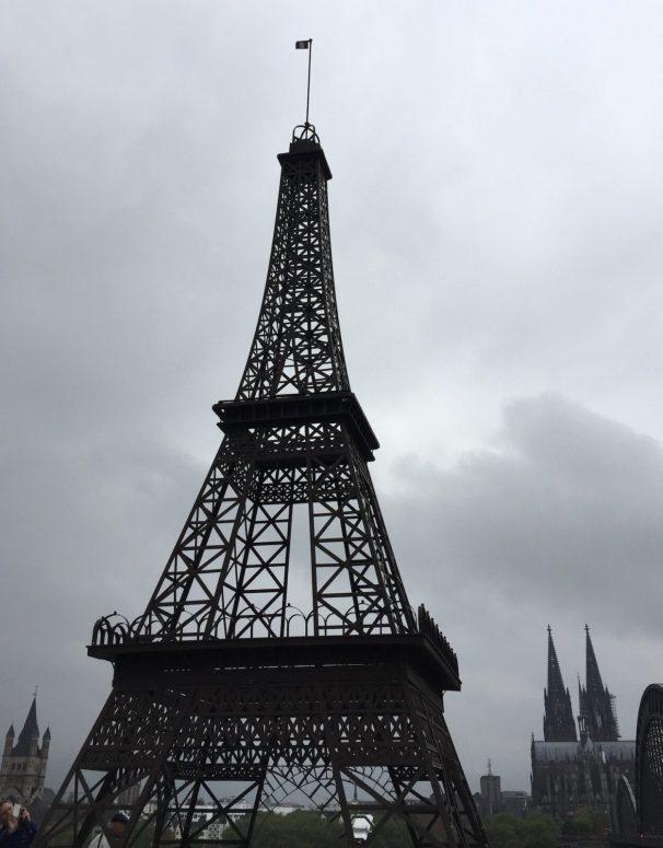 Paris und Köln auf einem Bild