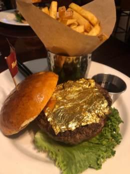 Der Charity-Burger im Hard Rock Cafe