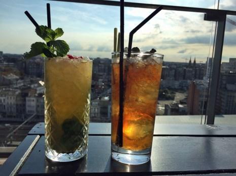 Cocktail in der Skybar im Lindner Hotel