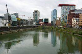 Hafenbecken im Medienhafen in Düsseldorf