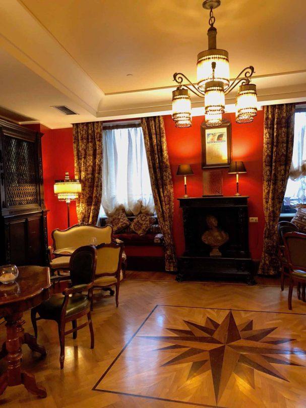 Im Grand Hotel Savoia in Genua