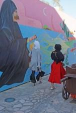 Straßenkunst und Realität in Dubai