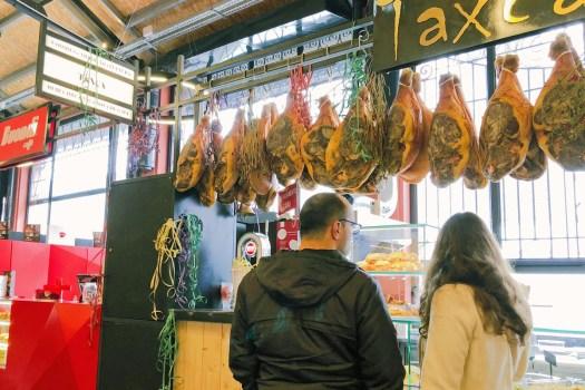 In der Markthalle in Gaia