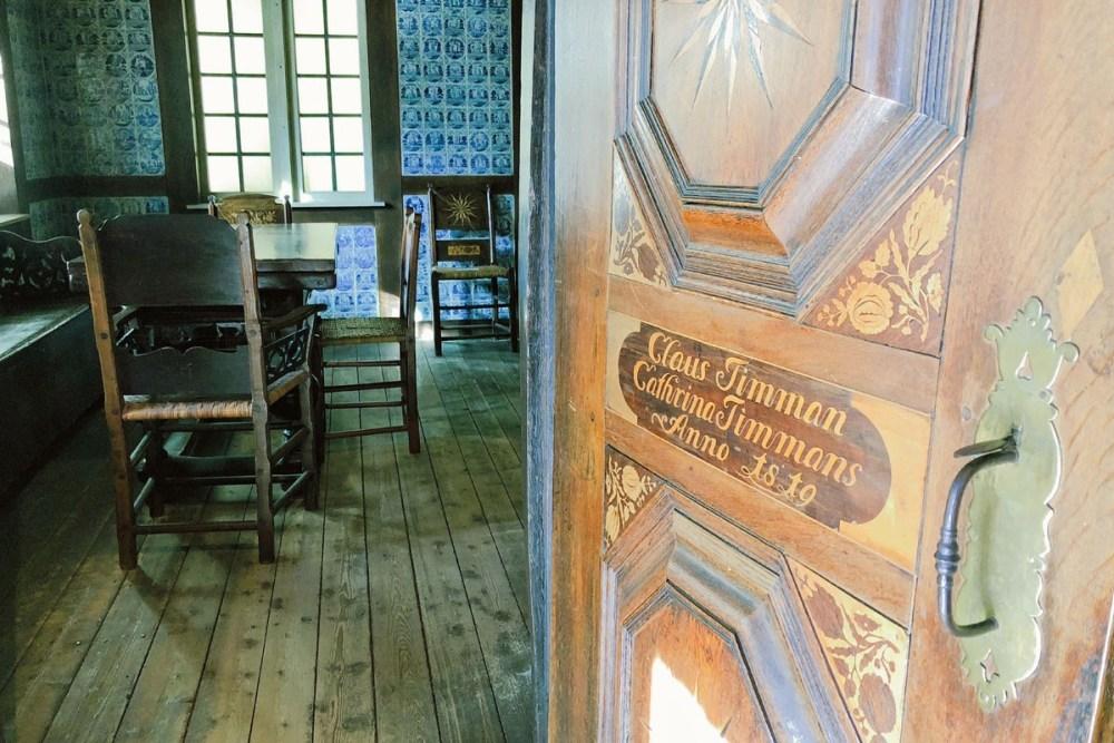 Tür mit Intarsien im Altonaer Museum