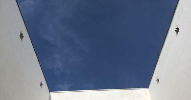 Himmel über dem Innenhof