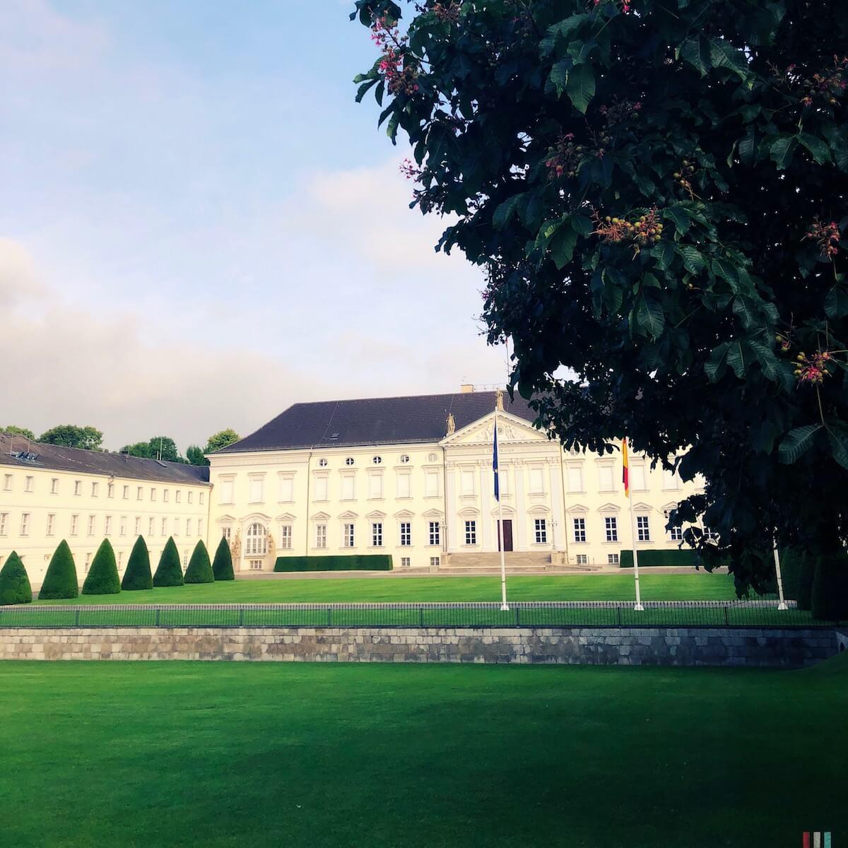 Laufrunde vorbei an Schloss Bellevue