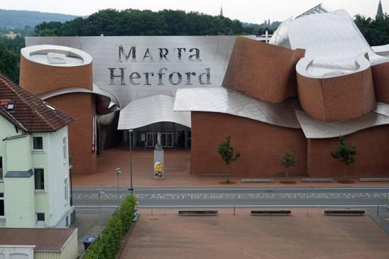 Marta Herford gesehen vom Parkhausdach