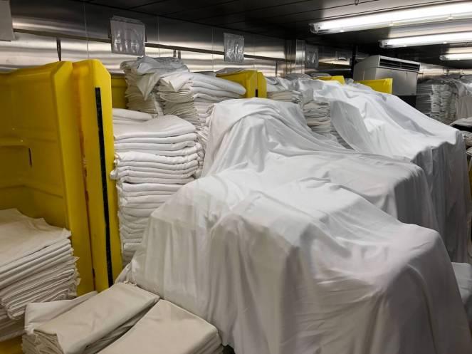 Hinter den Kulissen eines Kreuzfahrtschiffs: Bettwäsche