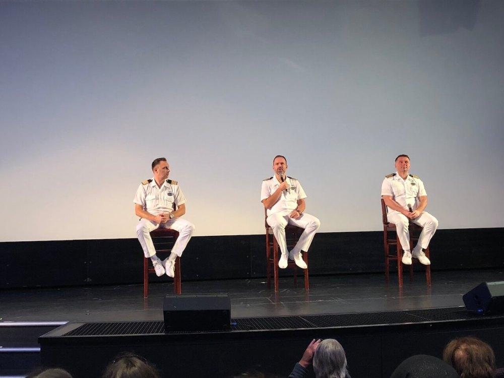 Hinter den Kulissen eines Kreuzfahrtschiffs: Frag die Offiziere