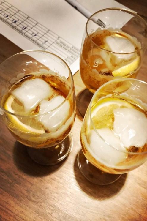 Tullamore D.E.W. mit Ginger Ale und Zitrone