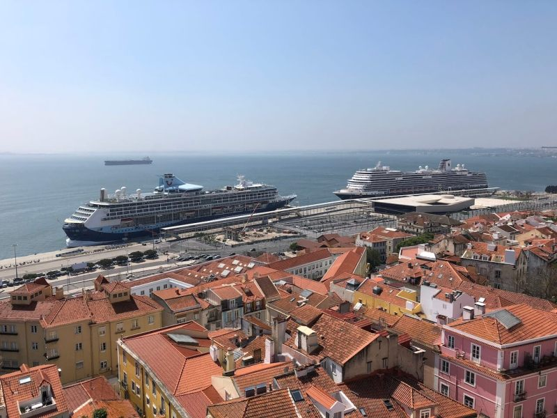 Kreuzfahrtschiffe in Lissabon, da sind selbst organisierte Ausflüge auf Kreuzfahrt kein Problem