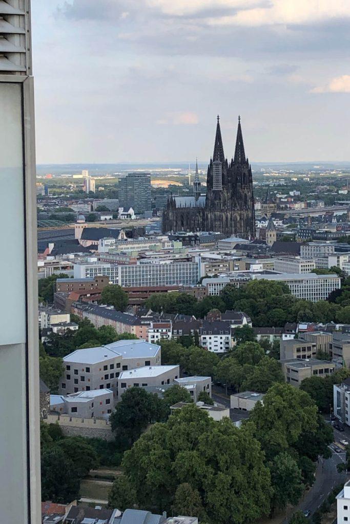Köln: 4 Drinks mit Domblick
