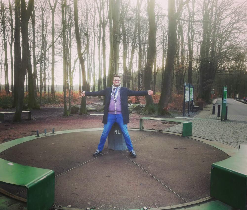 Timo in drei Ländern gleichzeitig am Dreiländereck bei Aachen