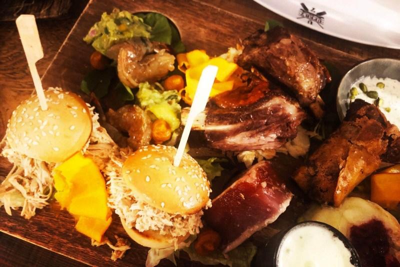 Essen in Basel: Eine Art Tapas im Ufer 7