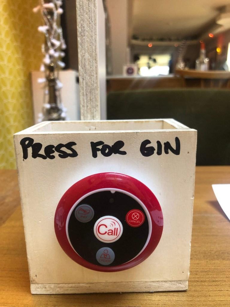 Klingeln - und der Gin kommt