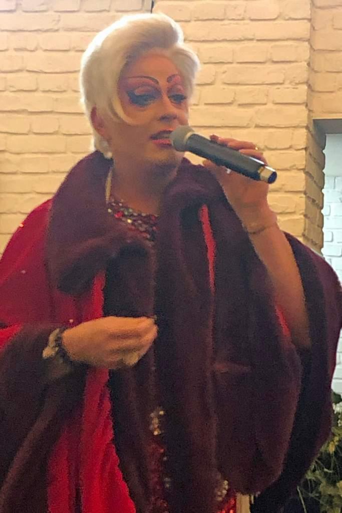 Julie Voyage bei der Pressekonferenz