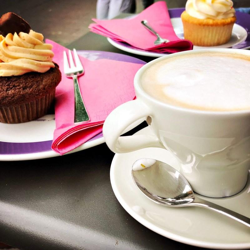 Kaffee und Kuchen in Köln-Ehrenfeld. Hier: Royal Cupcakes
