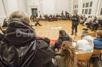 refugees-squat-former-school-building-in-berlin-kreuzberg