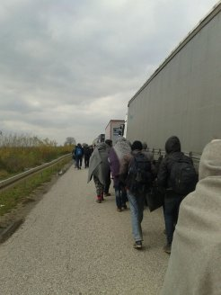 march-of-hope-to-croatia-following-the-highway