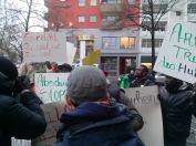 Protest gegen die Unterzeichnung von Reisedokumenten für Abschiebungen durch die malische Botschaft
