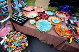 Jarmark w Węgorzewie-kolorowa ceramika-2