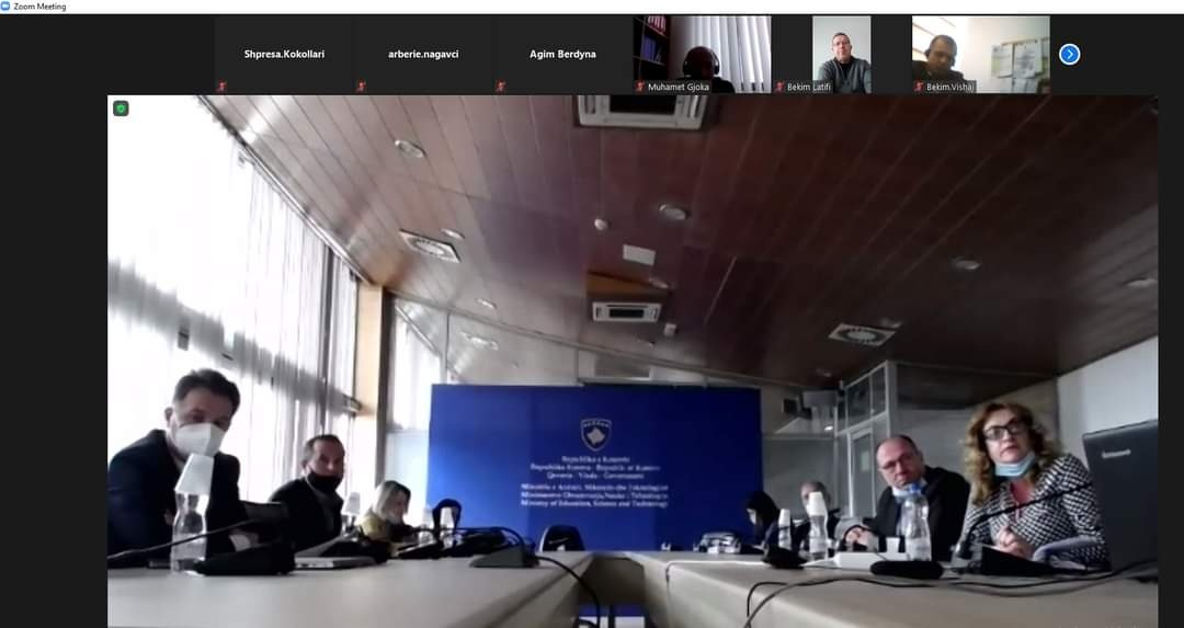 MASHTI dhe DKA-të diskutuan për përgatitjet për periudhën e tretë të vitit shkollor 2020/21