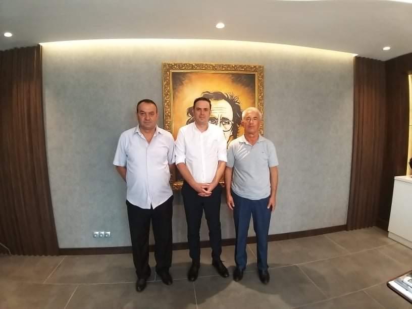 Lumir Abdixhiku priti në takim kryetarin e degës së LDK-së dhe kandidatin për kryetar të komunës së Dragashit.