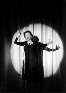 Edith Piaf na scenie
