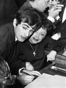 Piaf bierze ślub z Theo