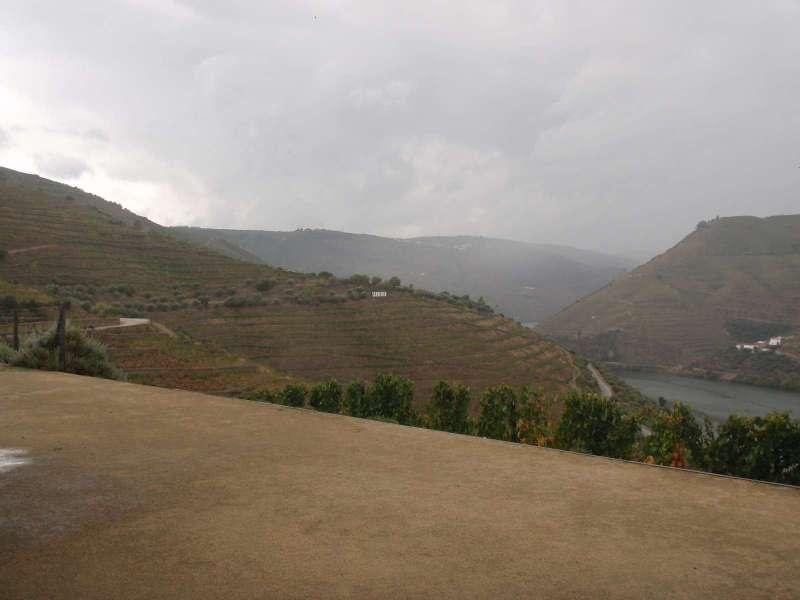 Z terasy je bezvadný výhled do údolí