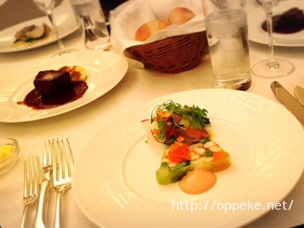 ラスイート神戸のルームサービスの夕食ってどんなん?私の感想レポ!
