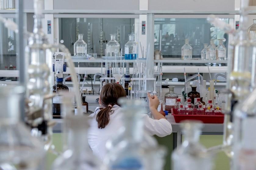 Symbolbild: Forschung. Labor, Medizin